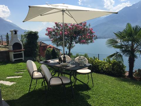 Bild von Ferienhaus am Comersee Bella_Vista_Primo_Vercana_20_Garten
