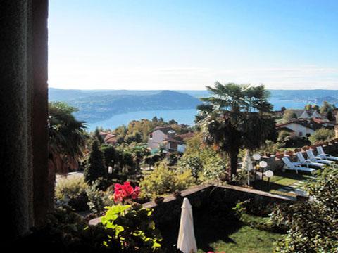 Foto van Comomeer Vakantiehuis Mariucca_Azalea_757_Lesa_10_Balkon