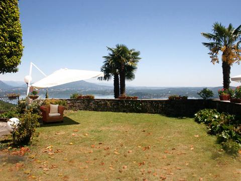 Foto van Comomeer Vakantiehuis Mariucca_Magnolia_756_Lesa_10_Balkon