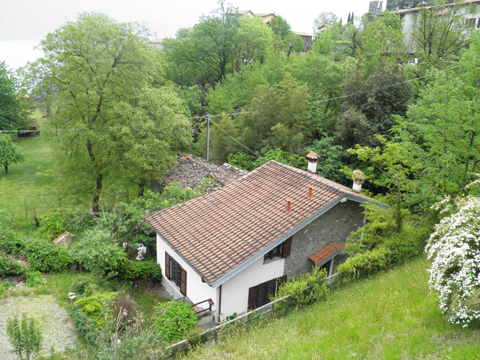 foto di casa vacanza Romantica_Rezzonico_20_Garten