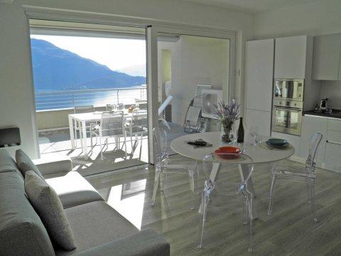 Bild von Ferienhaus am Comersee Valarin_Milano_Vercana_10_Balkon