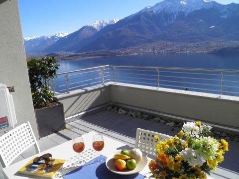 Bild von Ferienhaus am Comersee Valarin_Roma_Vercana_10_Balkon