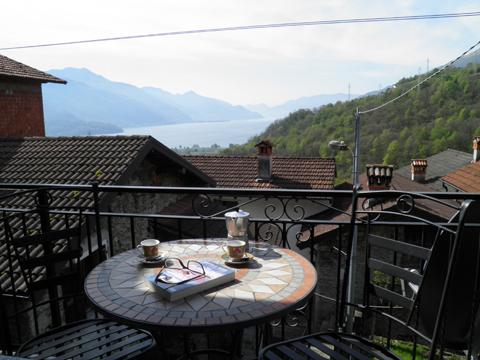 Bild von ferienhaus am Comersee Loredana_Gravedona_10_Balkon